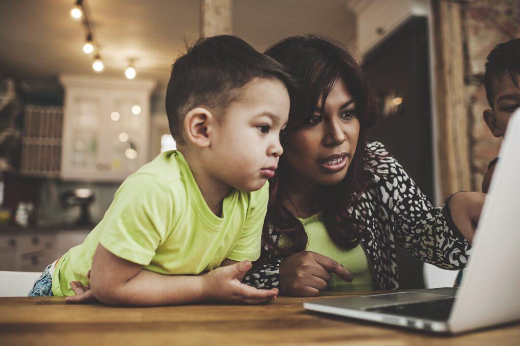 Mes del Niño en Telecom. Fuente: Fosi.org